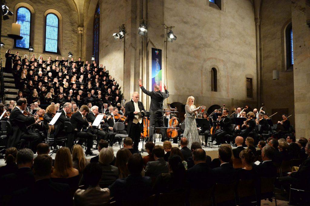 Paul McCreesh gibt Sir Jeffrey Tate mit Elgars Dream of Gerontius die letzte Ehre – Ausklang des Rheingau Musik Festivals